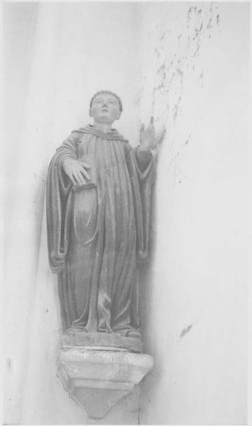 Statue: saint bénédictin non identifié, vue générale