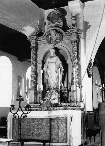 autel et retable latéral nord te devant d'autel (antependium) en cuir