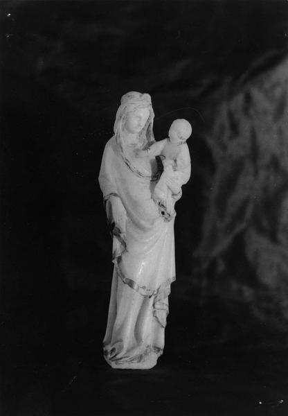 statuette en albâtre (avec traces de dorures) : Vierge à l'enfant