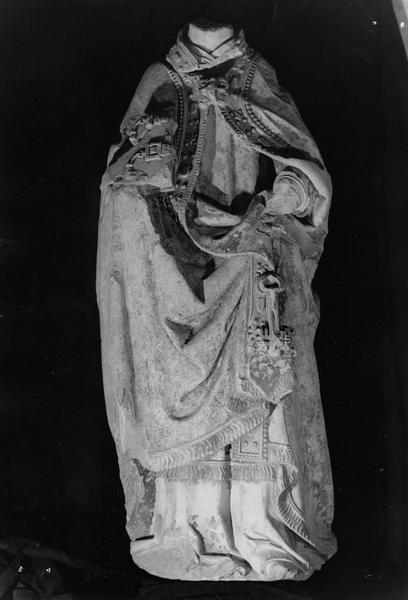 statue mutilée : saint Pierre pape