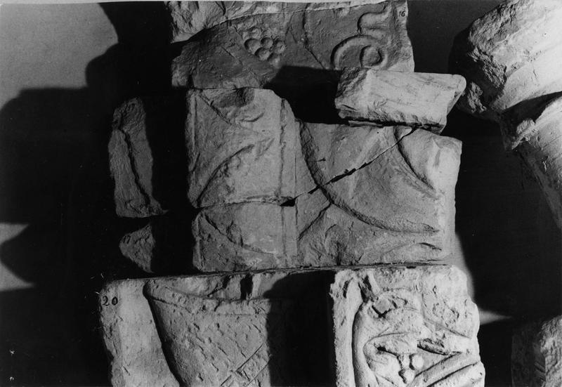 fragment de claveau en deux éléments