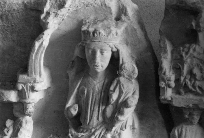 retable, détail d'une Vierge à l'Enfant