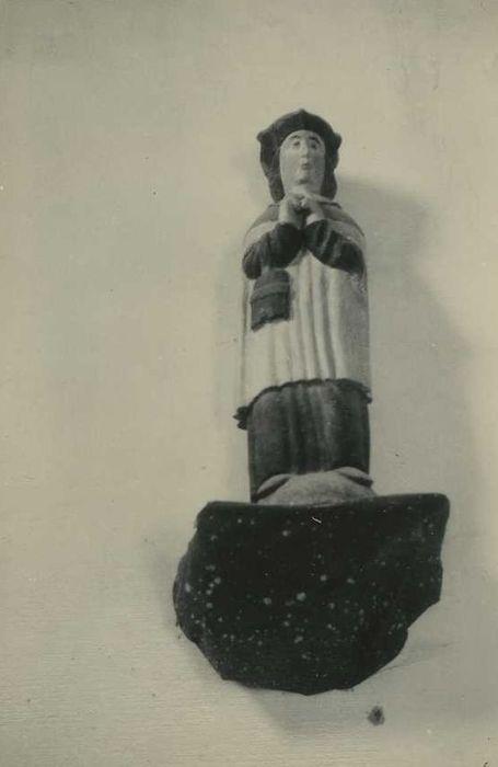 statue: Saint Yves, vue générale