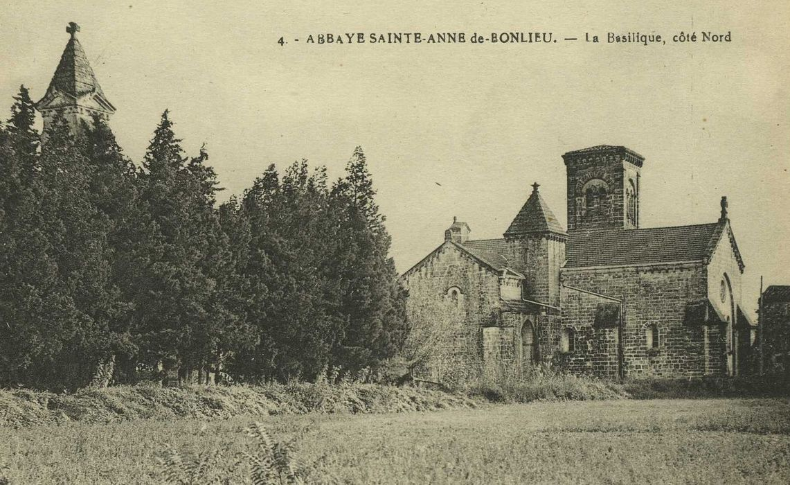 Abbaye Sainte-Anne: Vue générale de l'abbaye dans son environnement