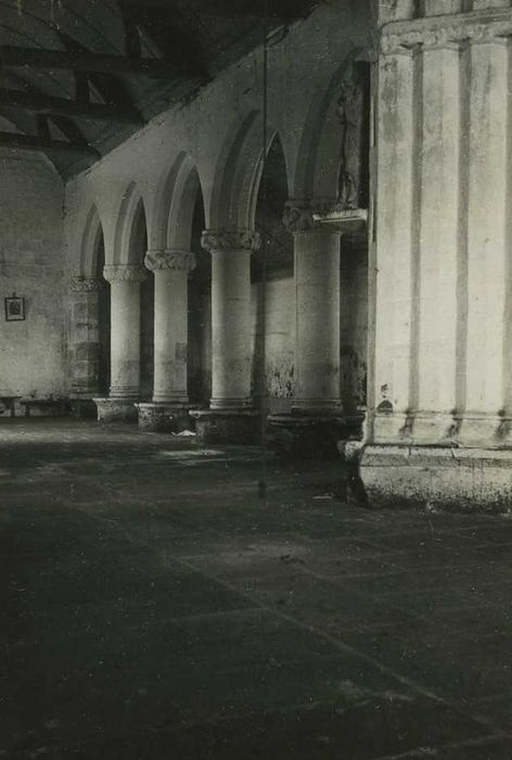 Chapelle Saint-Laurent de Lannourec: Nef, vue partielle