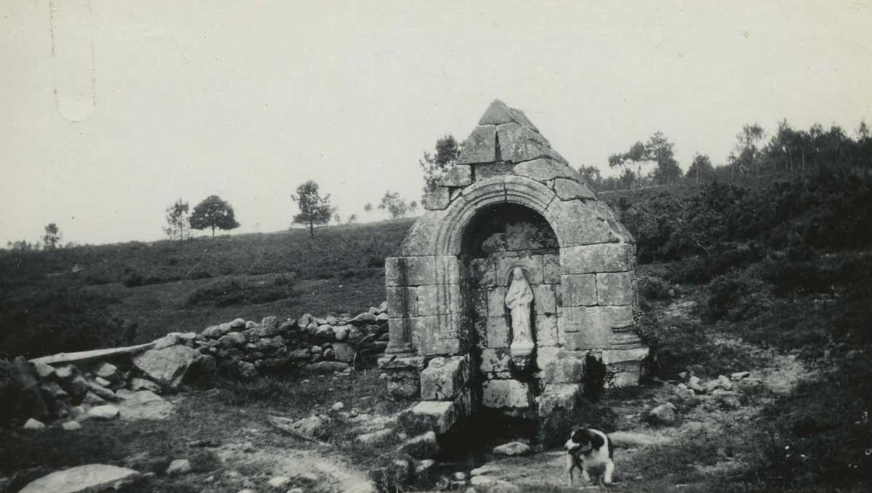 Fontaine de Loperhet: Vue générale