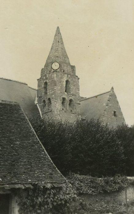 Eglise Saint-Romain: Clocher, vue générale