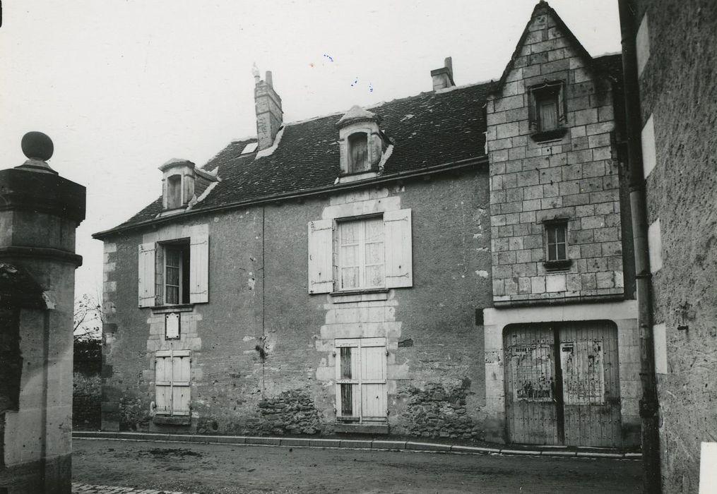 Maison natale de Descartes: Cheminée monumentale, vue générale