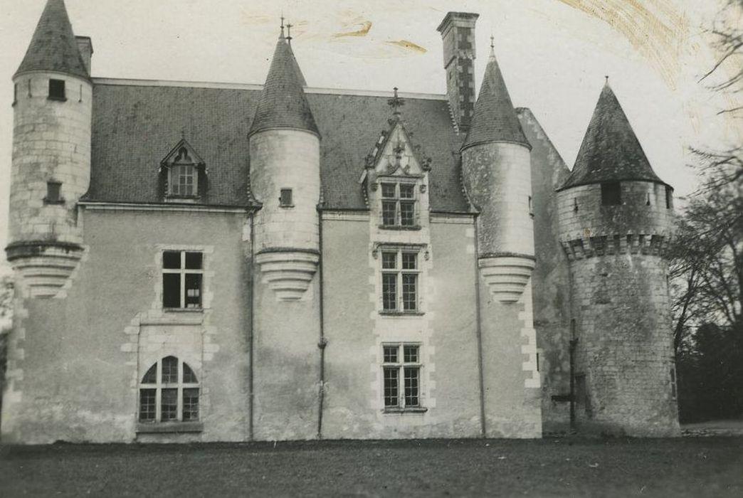 Château de la Bussière: Façade sud, vue générale