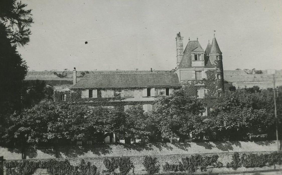 Château de Vaufoinard: Façade sud, vue générale