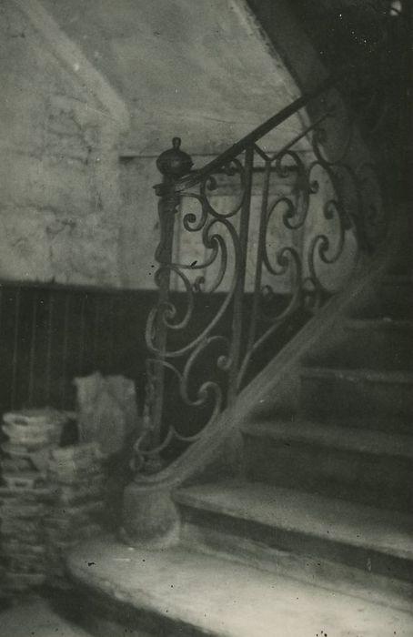Hôtel: Escalier, vue partielle