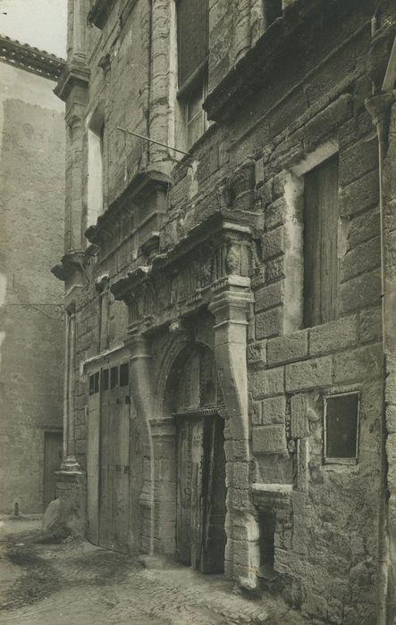 Maison de la Reine Jeanne: Façade sur rue, vue partielle