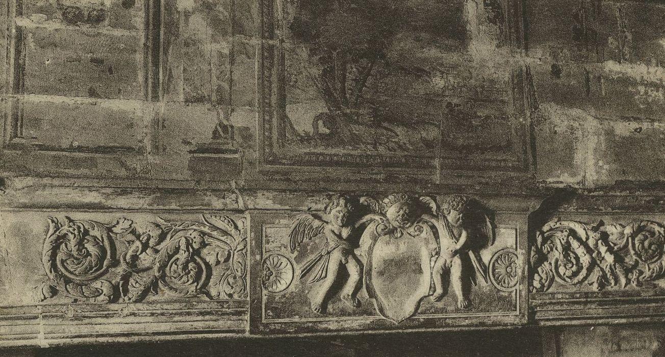 Maison de Théodore de Bèze: Cheminée monumentale, vue partielle