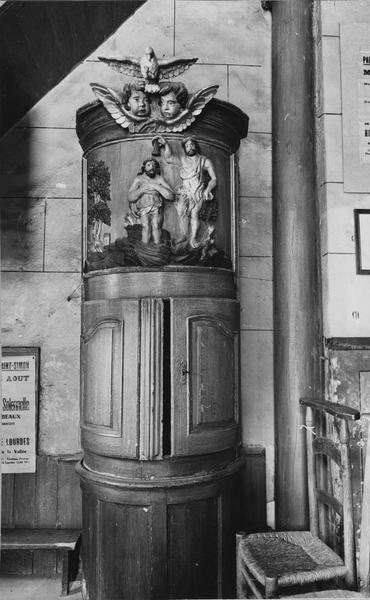 Fonts baptismaux, armoire