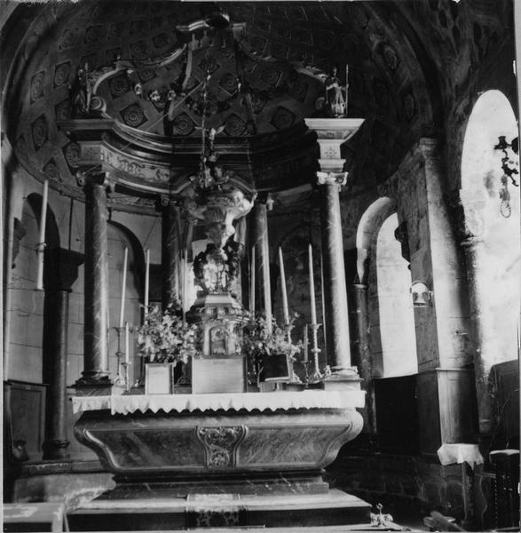 Autel, dais d'autel (maître-autel, baldaquin)