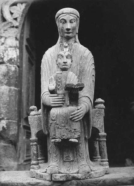 statue : Vierge noire à l'enfant