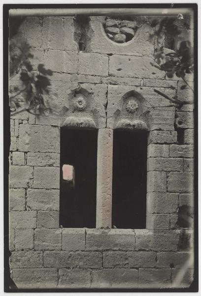 Fenêtre nord de la galerie gothique