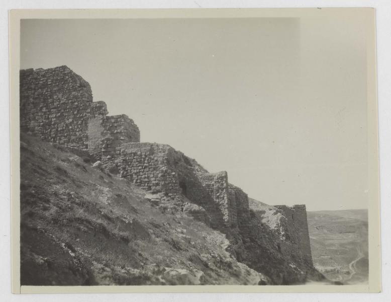 Vue du front ouest du château