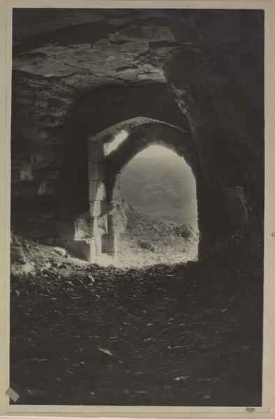 Entrée de l'un des souterrains d'accès à la ville