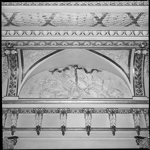 Plafond du salon : allégorie des arts