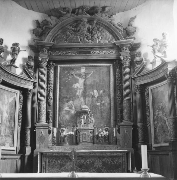Retable du maître-autel (retable architecturé à ailes)