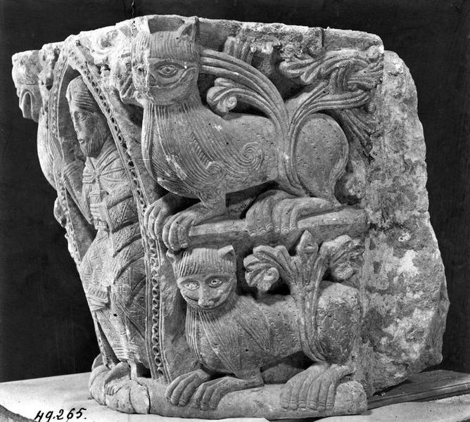 chapiteaux, sculptures