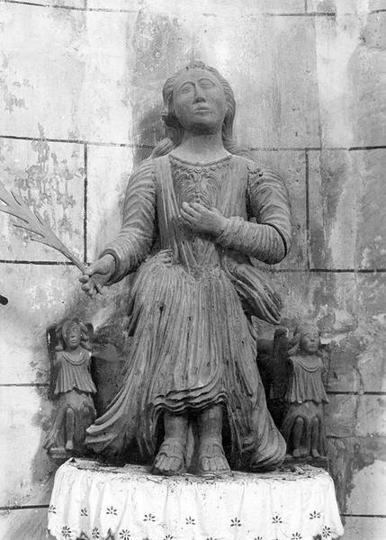 groupe sculpté : sainte Emérence, vue générale