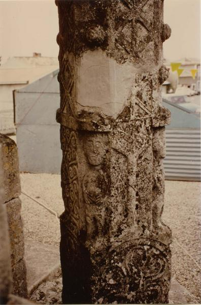 Croix de cimetière, détail