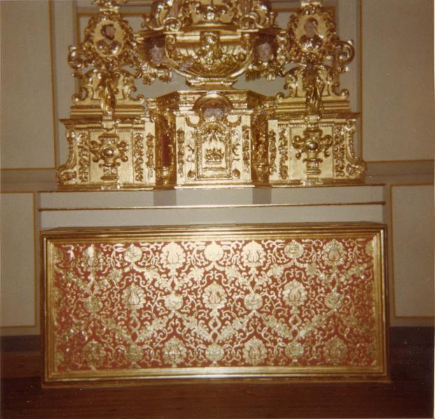 Autel, retable, tabernacle