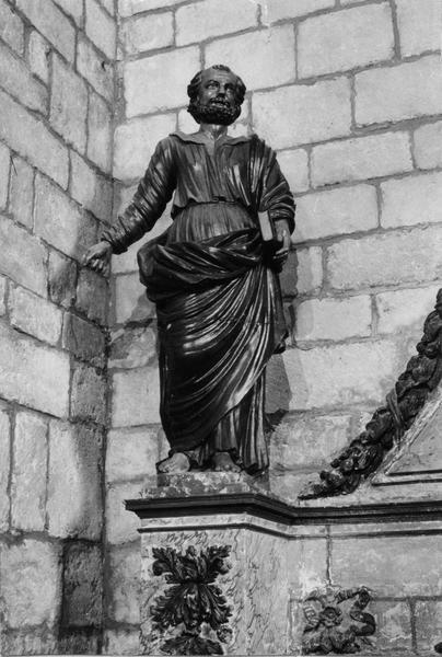 Statue : sainte Béatrix