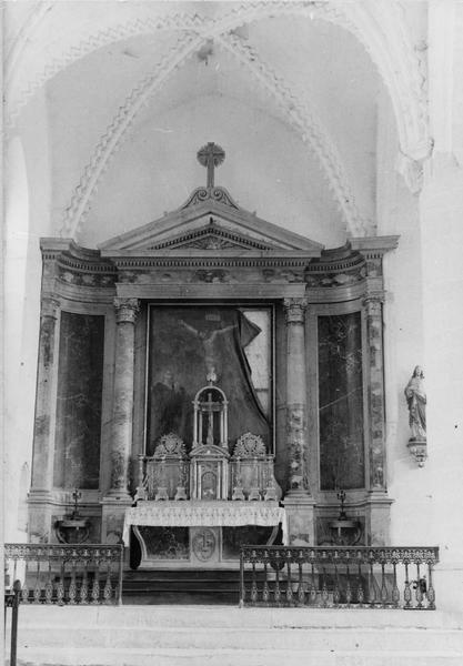 Autel, tabernacle, exposition, retable (maître-autel, autel tombeau)