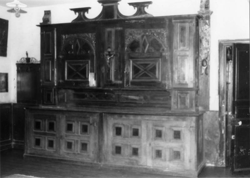 Chasublerie, armoire de sacristie, meuble de sacristie, lambris de revêtement (double armoire, placard à deux corps)