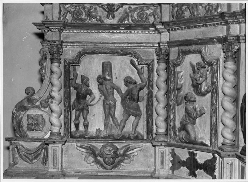 Ensemble (autel, tabernacle, exposition, croix, statue)
