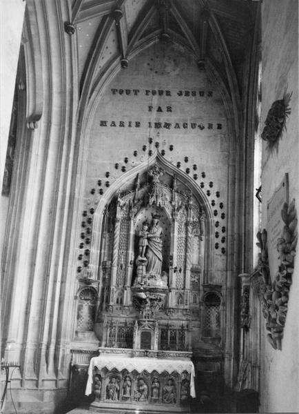autel, retable, tabernacle architecturé à niche, crédence-lavabo