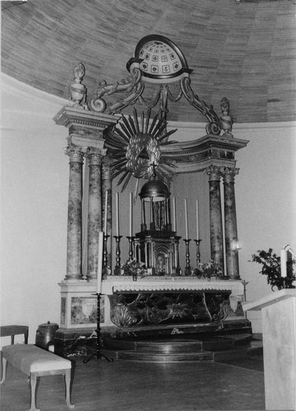 Autel, tabernacle (maître-autel)