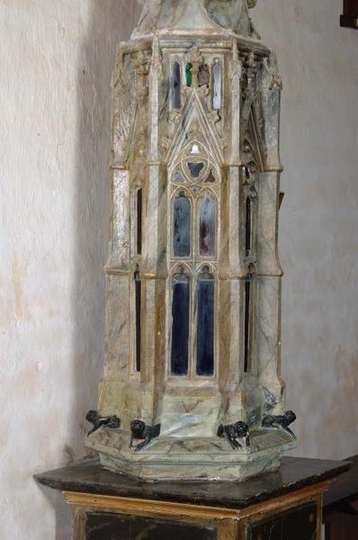 Tour eucharistique transformée en reliquaire