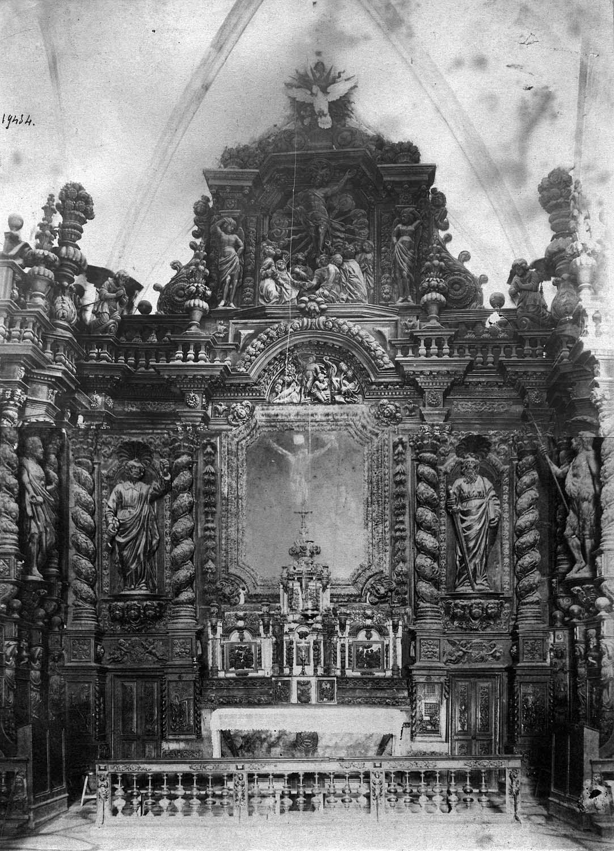 Ensemble du mobilier du choeur (autel, 2 tabernacles, 3 gradins, exposition, retable, clôture de choeur)