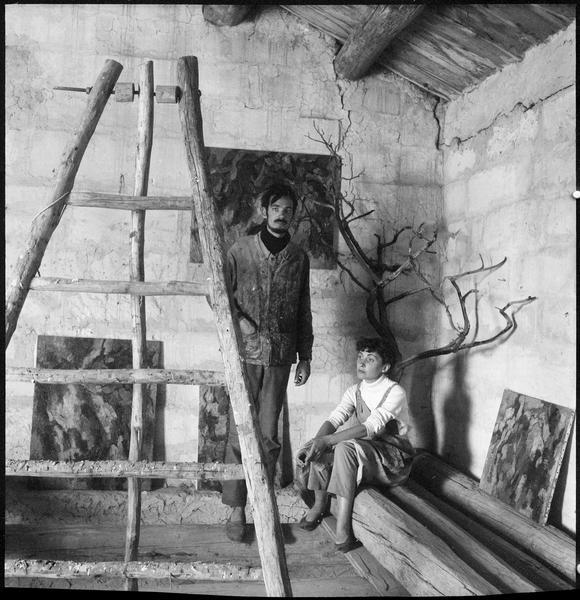 [Portrait de Gérard Cabus et Thérèse Jeanneau dans l'atelier]