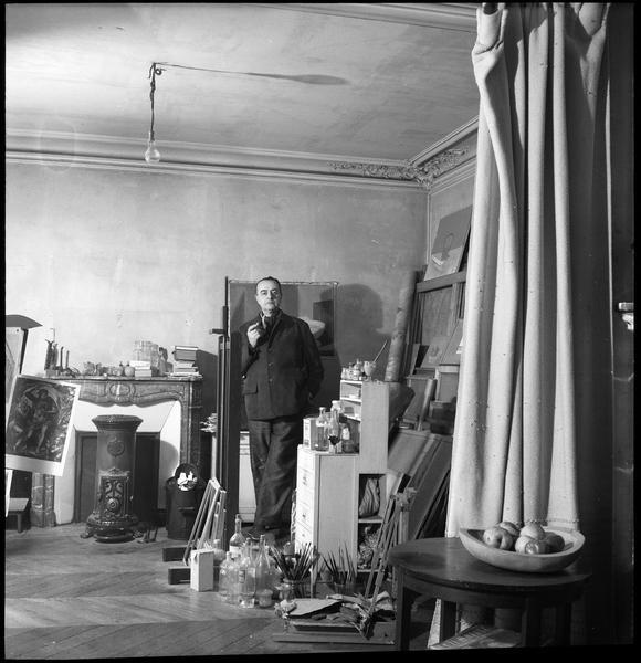 [Portrait de Luis Fernandez Lopez dans son atelier]