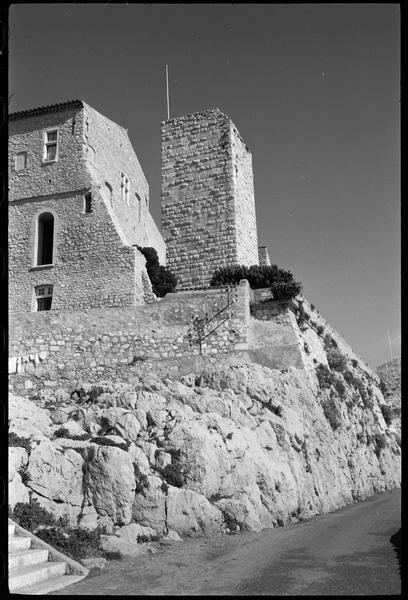 [Vue d'ensemble avec fortifications]