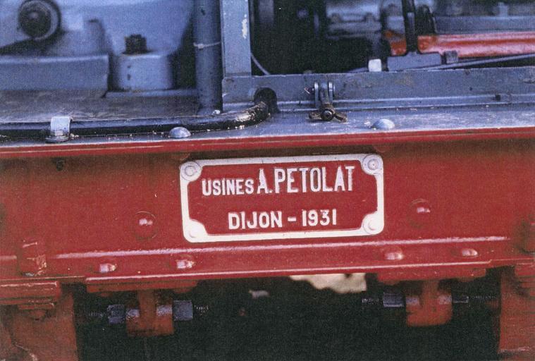 Locomotive (locotracteur) Pétolat 020, plaque d'immatriculation et de fabrication