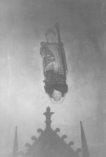 statue : saint Martin, pierre polychrome