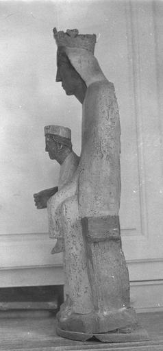 Statue : Vierge à l'Enfant, profil gauche