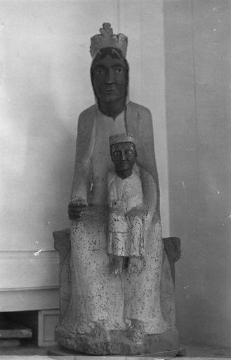 Statue : Vierge à l'Enfant, de face