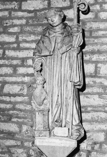 Statue : saint Jean de Réome, pierre, fin 16e siècle ?