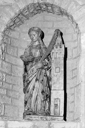 statue : sainte Barbe, pierre