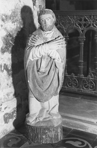Statue : saint Bénigne, pierre polychrome