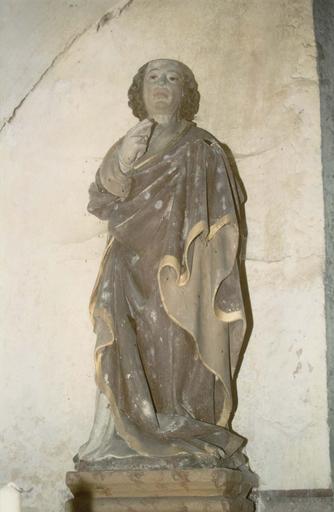 Statue : saint Jean Evangéliste, pierre polychrome