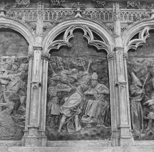 Retable de la Passion, détail du Procès devant Pilate, pierre sculptée