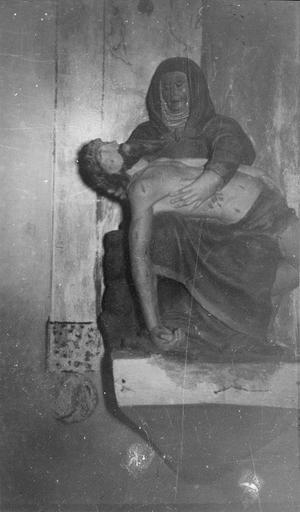 Statue : Vierge de Pitié, bois polychrome